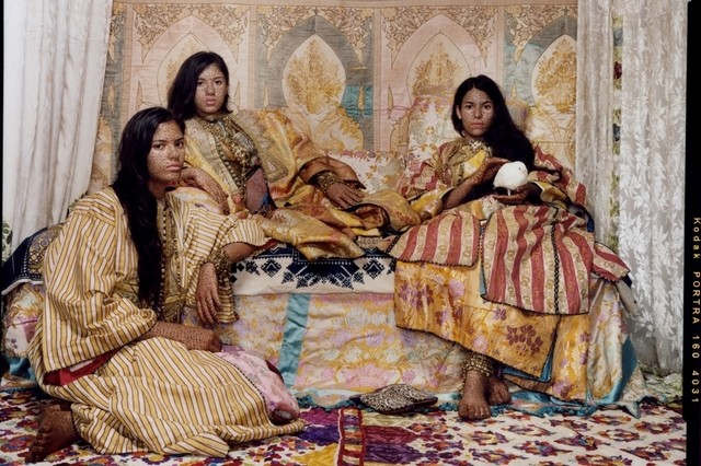 Lalla Essaydi (Morocco) Harem Revisited. Courtesy of the Artist and Edwynn Houk Gallery, New York. Source